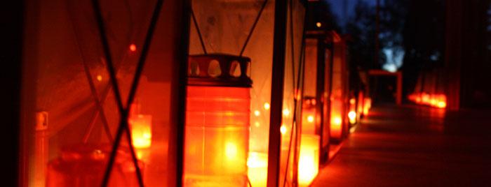 Grablichter, Erzbistum Köln © Rebekka Dierkes, cc 3.0, Quelle: bilder-erzbistum-koeln.de